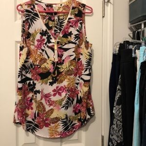 Very cute Women's sleeveless blouse